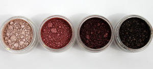 MAC Dazzlesphere! Crushed Pigments Smoky Berry Ornament-3