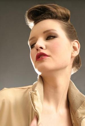 mauve lip, pink lip, vintage updo, eyeliner, brown eyeshadow, taupe eyeshadow, going out look