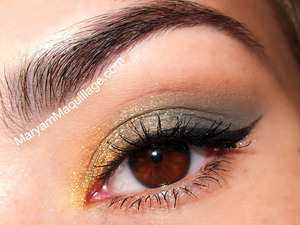 A simple gold/olive smokey eye. Info & products: http://www.maryammaquillage.com/2012/07/july-glossybox-is-here.html