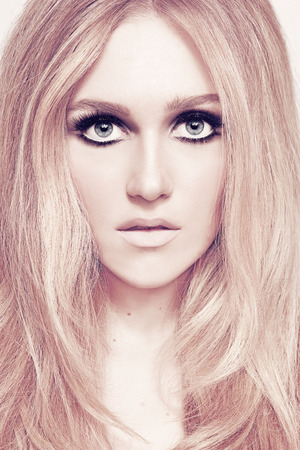 also see Billy B's tutorial featuring Maggie - Bardot Eyes