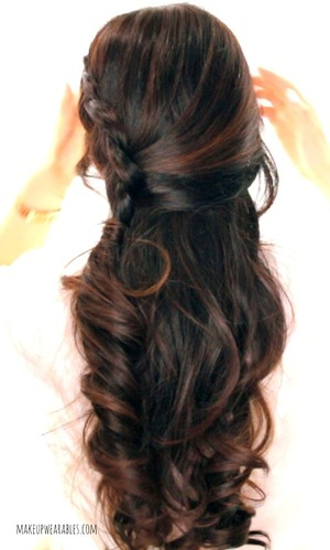 Hair tutorial video.  Learn how to do this braided half-up half-down updo on yourself here  http://www.makeupwearables.com/2014/03/second-day-hairstyles-half-updo-tutorial.html