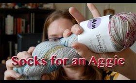 MagicalPurlMaya: Socks For an Aggie