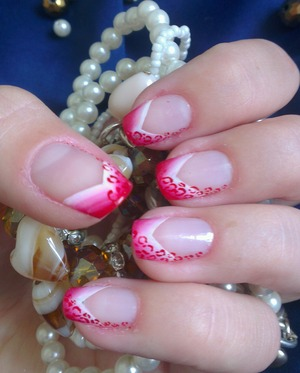 How about this cute manicure for summer :)?