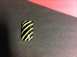 Black w/yellow lines