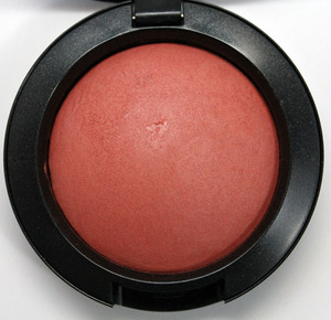 MAC, Naturally Mineralize Blush in Early Morning