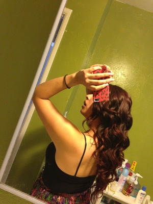 Used a regular curling iron but used it as if it was a wand  This my hair c: