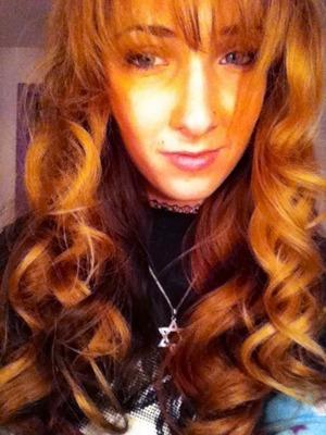 Doll-like curls
