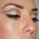 Nude shimmery eyes