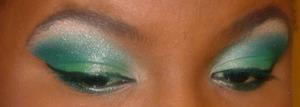 Blue green smokey eye