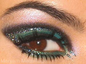 Edgy for the Holidays :) http://www.maryammaquillage.com/2011/12/ghost-of-xmas.html