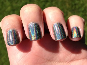 Linear Holo Awesomeness! http://polishmeplease.wordpress.com