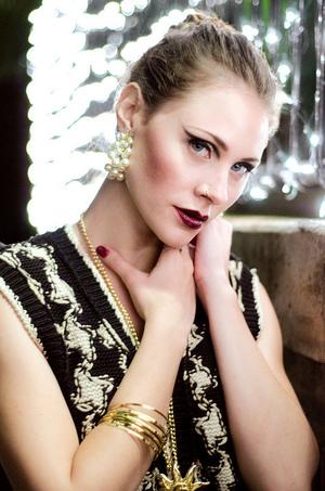 MUA: http://muamartini.blogspot.com/ Model: Stephanie Jabardo PHOTO: http://nataliafeliu.com/