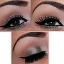 Wearable Smokey Eye