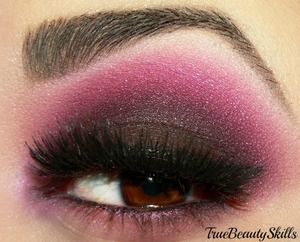 Makeup Geek= Drama Queen concrete mineral risque  hard candy palette smoke out