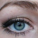 Simple bronzed with eyeliner