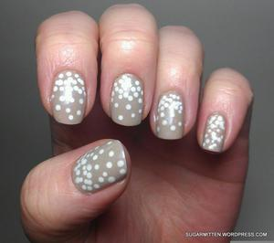 http://sugarmitten.wordpress.com/2012/04/14/plasma-plays-in-21-ways-1-2-3-plus-the-best-white-polish/