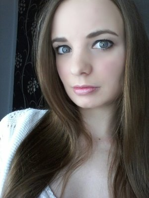 Tried out a new look today, tell me whatcha think ^_^ xxx