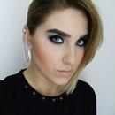Cara Delevingne Makeup Look