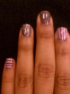 Something simple yet pretty! I <3 glitter!