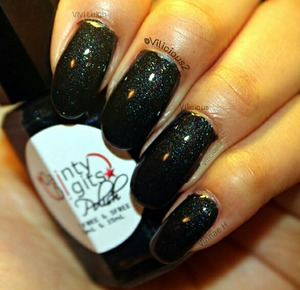 Last but not least, Dainty Digits Polish Suburban Black Out! ♥Two coats, plus topcoat.  Such a stunning polish! ♡