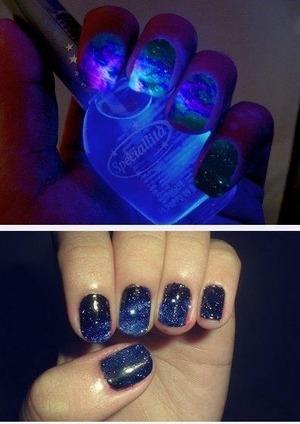 Omg!!! I sooo, want this nail polish!!!!:)