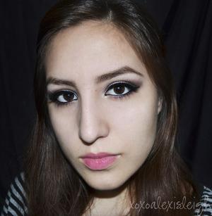 http://www.xoxoalexisleigh.com/2013/01/happy-new-yearrrr-makeup-tutorial.html