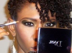 How makeup photographs