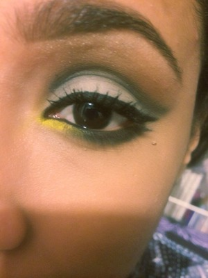 Cut crease featuring a pop of yellow