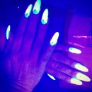 Glow in the dark nails •Light Green