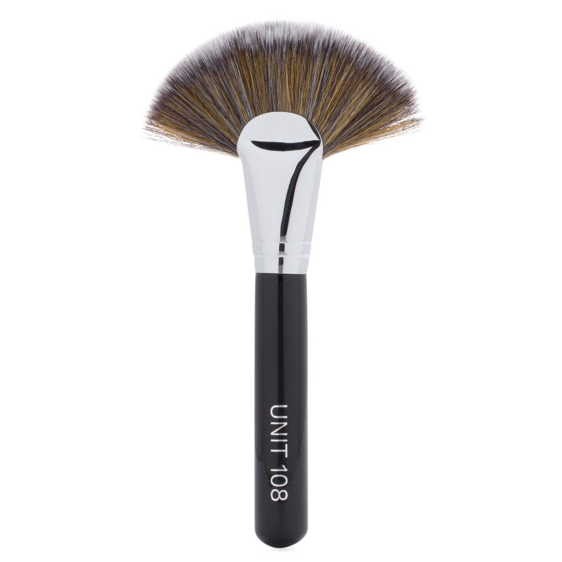 UNIT 108 Cheek Brush