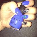 Blue w glitter nails
