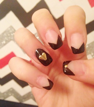 This look is edgy yet girly at the same time, its so cute i love it!