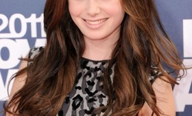 Lily Collins' 2011 MTV Movie Awards Beauty Look