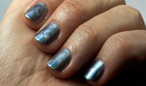 http://www.bec-et-ongles.com/blog/2097/vernis-et-doigts-magnetiques/