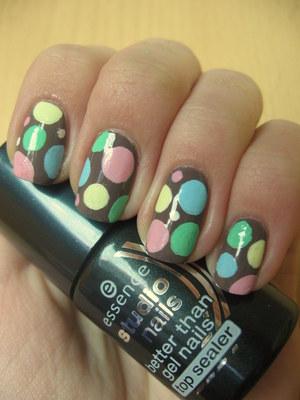 http://arvonka-nails.blogspot.com/2012/03/essence-walk-of-fame-nail-art.html
