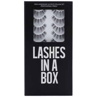 LASHES IN A BOX N°17