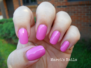 http://marcisnails.blogspot.com/2012/05/head-over-heels-in-love-with-zoya-so-up.html