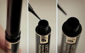"""Showing the """"ink reservoir"""" for the Lancome Artliner."""