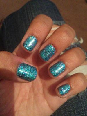 I love blue nails for summer :)