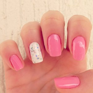 Explosive Pinkish Nails