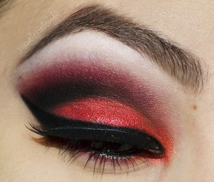 Red and black smokey eye http://www.xoxoalexisleigh.com/2013/01/hey-guys-other-night-i-was-looking-at.html