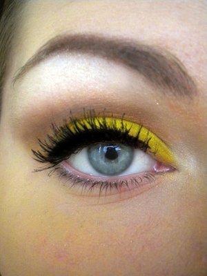 _05_yellow