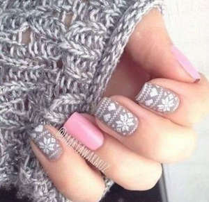 another cute manicure I can't wait to try out <3