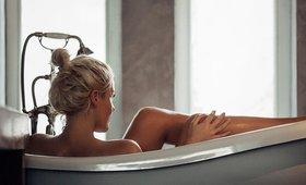 5 Ways to Turn Your Bath Into a DIY Spa