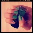 grren nails