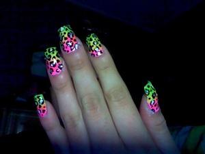 acrylic nails (cheetah print)