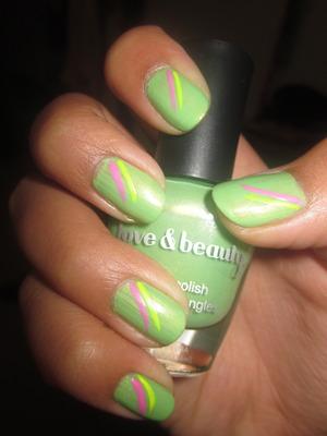Nicki Minaj Super Bass Nails.