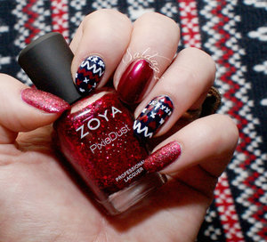 Please ask if you want to know anything about these!  The polish bottle and the polish on my pinky is Zoya's Arianna.