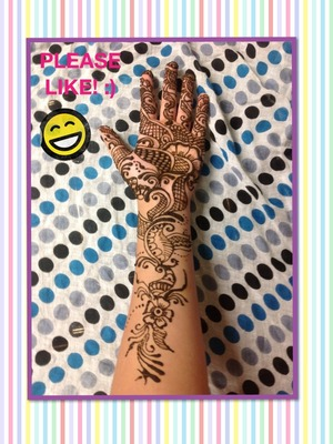 This is one of my favorite henna designs online!!! I've done it now 7 times and it just comes out beautiful every freakin time! Please like and comment!