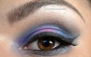 http://anaonofrei.blogspot.ro/2014/03/todays-makeup-violet.html